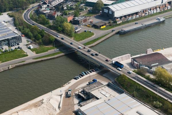 mm142013albertkanaalbrugschotenhoogmolenbrugopwaarts.jpg